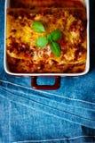 Alimento italiano Placa de las lasañas Visión superior Fotos de archivo libres de regalías