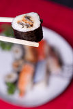 Alimento japonés tradicional - sushi Imagen de archivo libre de regalías
