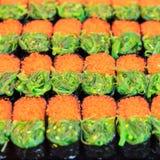Alimento japonés tradicional, sushi Fotos de archivo