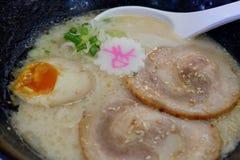 Alimento japonês, ramen em uma bacia foto de stock