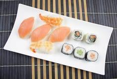 Alimento japonês - sushi fotografia de stock
