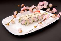Alimento japonês - sushi e sakura Fotografia de Stock Royalty Free