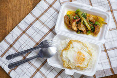 Alimento local saboroso de Tailândia na rua resturant Imagens de Stock Royalty Free