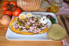 Alimento, Lyoner, salsiccia, salsiccia tedesca Lyoner, insalata di Lyoner, fleischwurst tedesco, salsiccia tedesca Lyonerring, an Immagine Stock