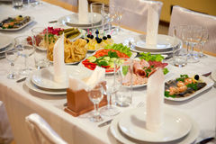 Alimento na tabela de banquete Imagem de Stock Royalty Free