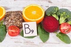 Alimento nutriente sano come l'acido folico di fonte, i minerali, la vitamina B9 e fibra dietetica fotografie stock