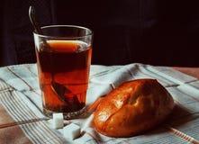 Alimento: pão com chá Foto de Stock