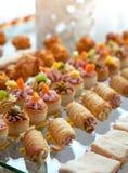 Alimento para o cocktail no banquete de casamento Imagem de Stock