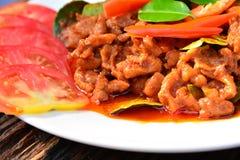 Alimento piccante della carne di maiale con il pomodoro della fetta di alimento tailandese Fotografia Stock Libera da Diritti