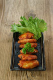 Alimento saboroso de Nova Orleães da asa de galinha Imagens de Stock Royalty Free