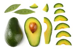 Alimento sano Avocado affettato isolato su fondo bianco Vista superiore immagine stock