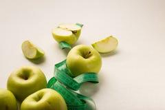 Alimento sano della mela verde per perdita di peso immagini stock libere da diritti