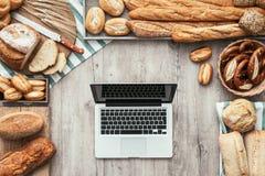 Alimento sano e tecnologia Fotografie Stock Libere da Diritti