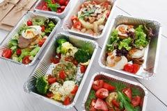 Alimento sano in scatole, concetto di dieta Fotografia Stock