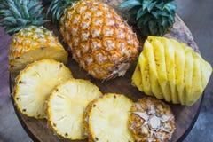 Alimento saudável do abacaxi do fruto fresco foto de stock