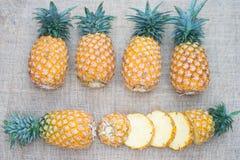 Alimento saudável do abacaxi do fruto fresco fotografia de stock royalty free