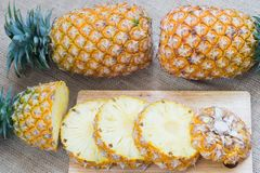 Alimento saudável do abacaxi do fruto fresco fotos de stock