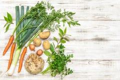 Alimento saudável do fundo de madeira orgânico fresco dos vegetais Imagem de Stock