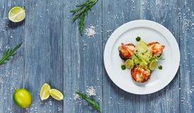 Alimento saudável do restaurante Ratatoille com camarão imagem de stock