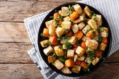 Alimento saudável: raiz de aipo e close-up cozidos das cenouras em uma tabela Fotos de Stock