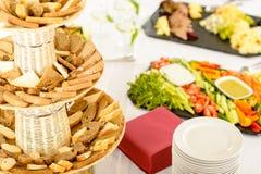 Alimento servido comida fría de abastecimiento en el vector de banquete Imagen de archivo