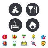Alimento, sonno, tenda di campeggio e segni del fuoco Immagine Stock Libera da Diritti
