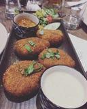 Alimento squisito del yummyfood dell'acqua del dahikekabab del coriandolo del yogurt del kabab del Dahi Fotografia Stock