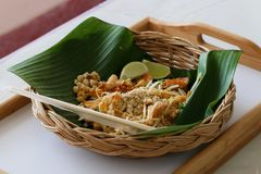Alimento tailandês dos macarronetes tailandeses da almofada Imagem de Stock