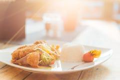Alimento tailandese con il tramonto Immagini Stock