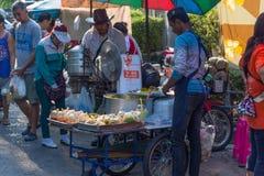 Alimento tailandese della via Immagini Stock