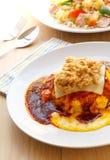 Alimento tailandese, omelette cremosa con la salsa della pasta del peperoncino rosso Immagini Stock Libere da Diritti