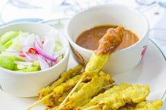 Alimento tailandese satay della carne di maiale arrostita Immagine Stock