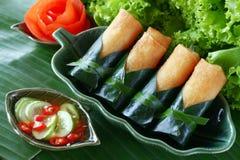 Alimento tradicional chinês friável dos rolos de mola fotos de stock royalty free