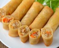 Alimento tradicional chino frito de los rodillos de resorte Foto de archivo