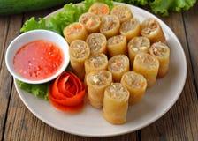 Alimento tradicional chino frito de los rodillos de resorte Imágenes de archivo libres de regalías