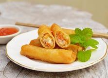 Alimento tradicional chino frito de los rodillos de resorte Fotos de archivo libres de regalías