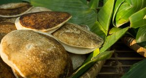Alimento tradicional de Surabi ou de serabi de Indonésia Fotografia de Stock Royalty Free