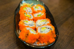 Alimento tradicional del sushi japonés Foto de archivo