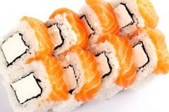 Alimento tradizionale dei sushi giapponesi Rotoli freschi di Filadelfia Immagine Stock Libera da Diritti