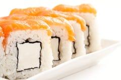 Alimento tradizionale dei sushi giapponesi Rotoli freschi di Filadelfia Fotografia Stock Libera da Diritti