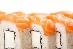 Alimento tradizionale dei sushi giapponesi Rotoli freschi di Filadelfia Immagini Stock Libere da Diritti