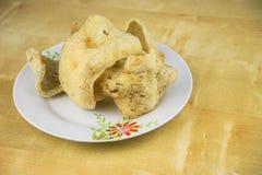 Alimento tradizionale del malay, cracker del pesce immagini stock libere da diritti