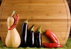 Alimento vegetal sobre la madera Fotografía de archivo