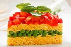 Alimento vegetariano, insalata del riso con le verdure, pasti sani immagini stock