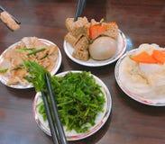 Alimento, verdure, tofu e uovo sodo sani di varietà immagini stock libere da diritti