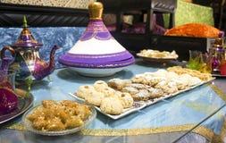 Alimento y té marroquíes Imagen de archivo libre de regalías