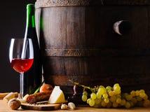 Alimento y vino rústicos Foto de archivo