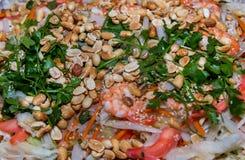 Alimentos asiáticos do partido com farinhas do camarão e de arroz Imagem de Stock Royalty Free