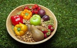 Alimentos de Paleo na bacia Fotografia de Stock