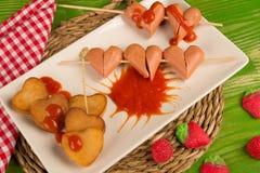 Alimentos de preparación rápida del día de tarjetas del día de San Valentín Fotos de archivo libres de regalías